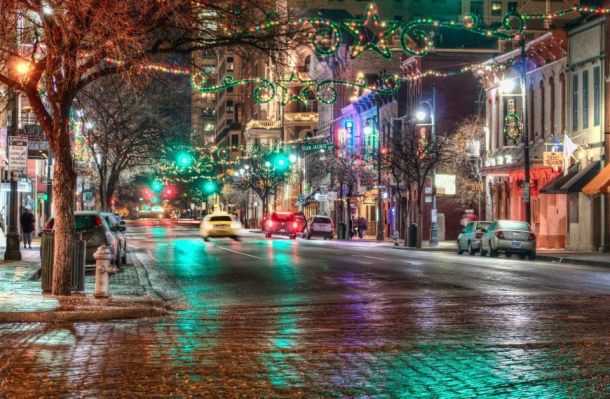 Christmas on Sixth Street, Austin